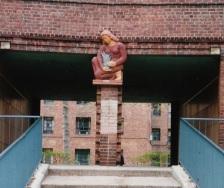 woman statue_0001-4 2