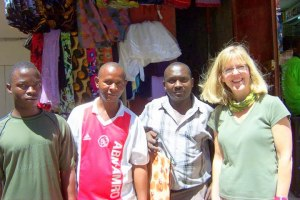 Bashir, wanume wawili (2 men) of kanga shop, and mzungu(me!)