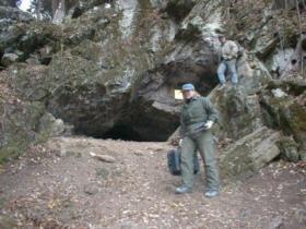 Sinnett Cave entrance
